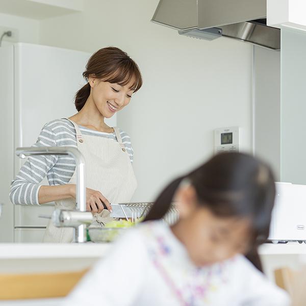 """便利な""""お助け食品"""" が共働きママのマインドにも好影響"""
